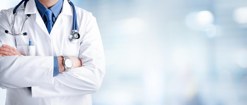 postać lekarza na błękitnym tle